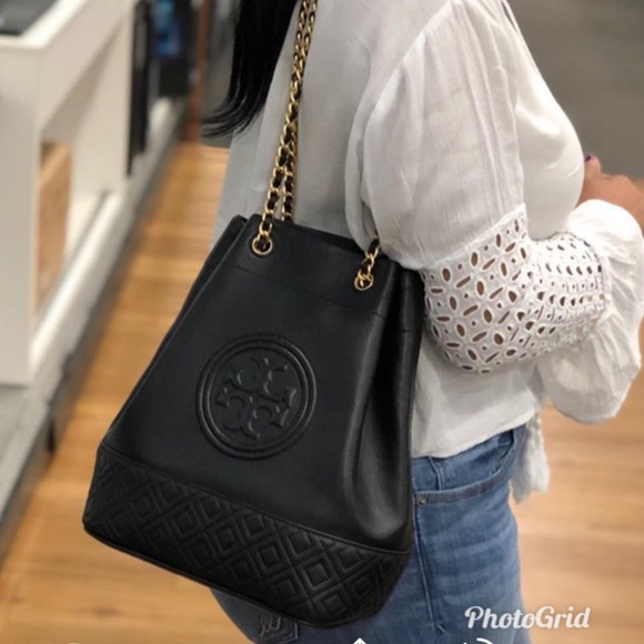 ca3b756e45 Authentic Tory Burch Bucket Bag. M_5cbdd26e2e7c2f5a98005b0f